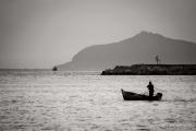 pescatore-barca-rete