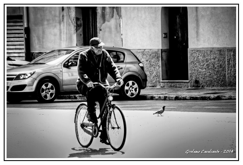 anziano-bici-mura